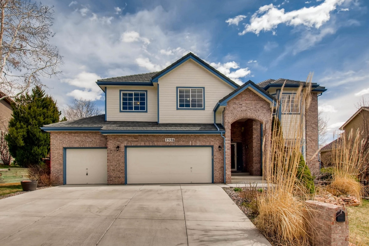 Arvada, Harvest Lane, Two Story, granite, finished basement, 3 car garage, mountain view