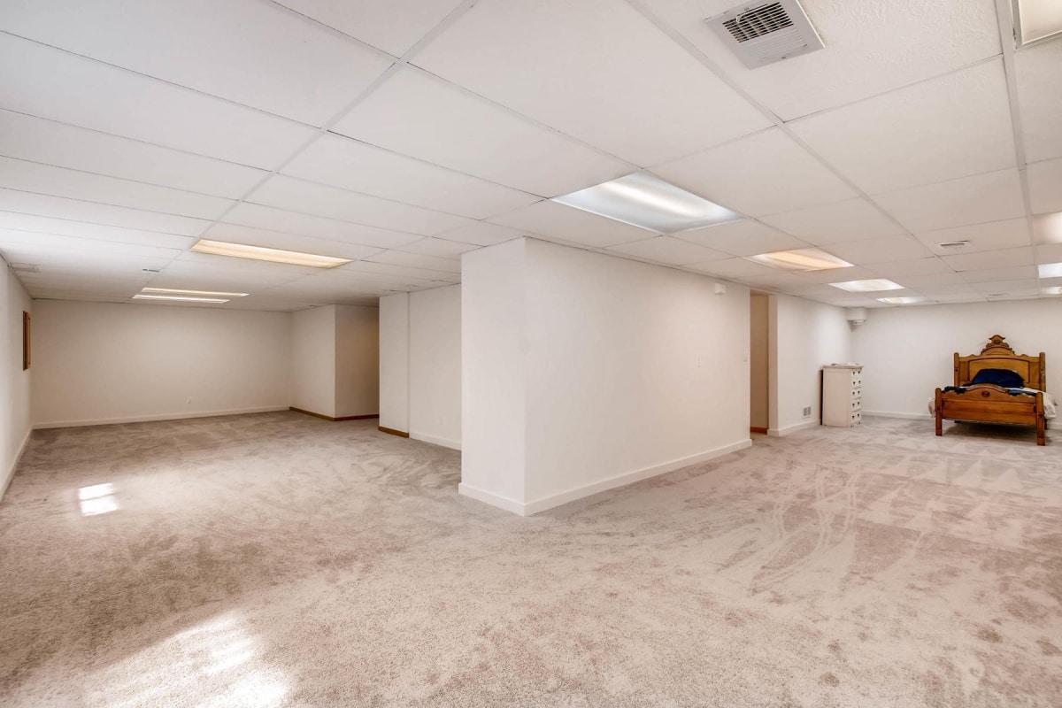 Arvada, Harvest Lane, Two Story, granite, finished basement, 3 car garage, mountain view
